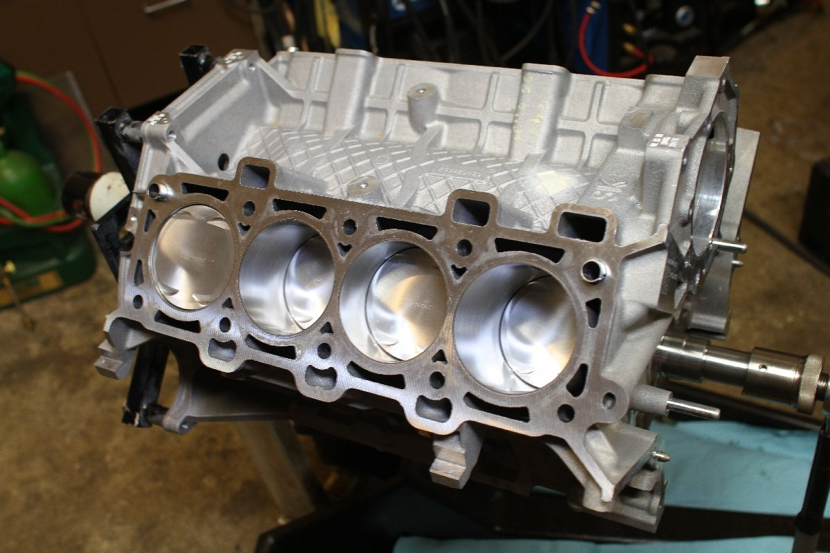 Low Compression Coyote Engine Build Part 1 - The Short Block