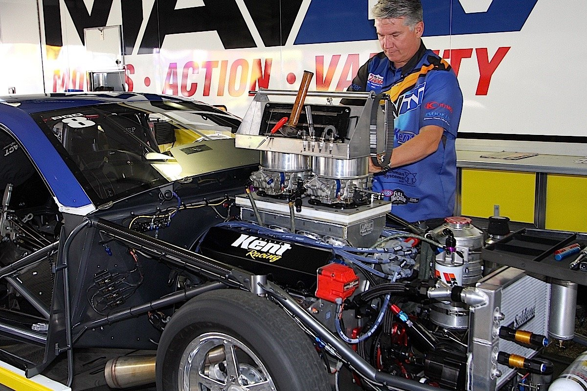 Pro Stock Engines Whats The Secret To Those Big Power Numbers Boss 429 Engine Diagram A Couple Years Ago We Got Close Enough Find Roger Brogdon Left And Larry Morgan Checking On Their Today Has An In House