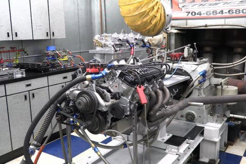 Turning A NASCAR R07 Engine Into A Serious Street/Strip Package